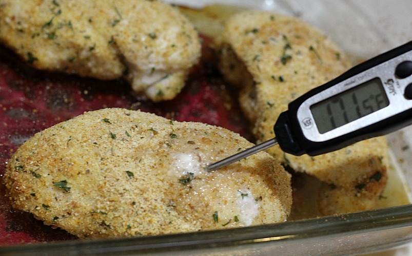 This Weight Watchers Chicken Parmesan Recipe is Only 1 Freestyle Smartpoint on WW! This is a family approved easy dinner recipe!