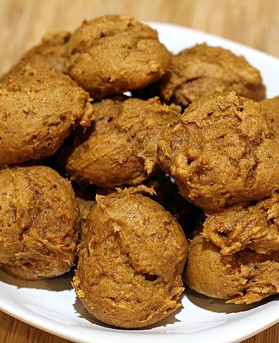 These 2 Ingredient Pumpkin Cookies are a quick and easy healthy dessert to whip up for the holidays!! They are great to have for potlucks and to snack on as well. Plus at only 2 Weight Watchers points they make a great little treat to have as well.