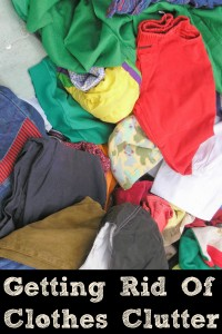 These quick and easy tips can help you to be Getting Rid of Clothes Clutter in time!! Clothes clutter can make life more difficult in the morning!