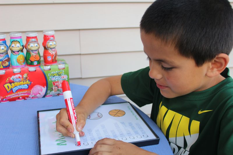 This Free Printable Checklist For Kids is a great way to make sure the kids are able to get ready and be on the go with the school year!