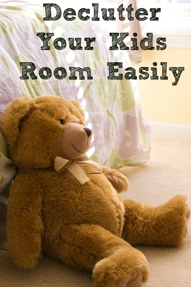 Declutter Your Kids Room Easily! Once you get a system down it will make maintaining the kids rooms much easier to do.