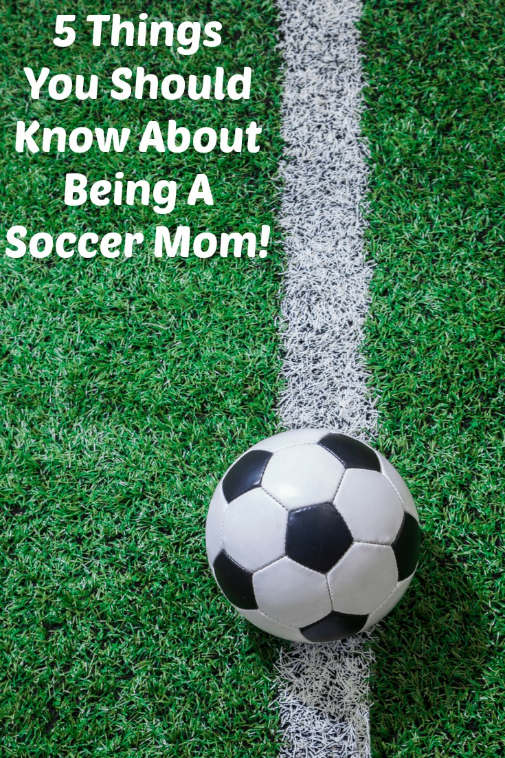 These 5 Things You Should Know About Being A Soccer Mom, perfect tips for when just starting out with soccer! Plus your kids will love having encouragement.