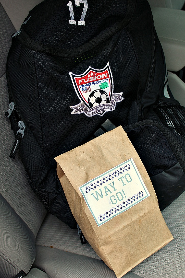 This Way To Go Free Soccer Snack Printable is a great way to dress up your soccer stars snack!! Your athlete will love how their snack looks!
