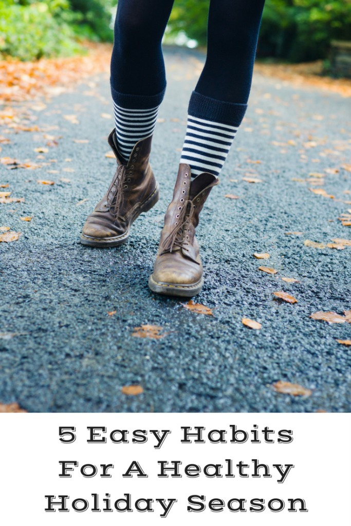 These 5 Easy Habits For A Healthy Holiday Season are a sure fire way to help you stay as healthy as possible! The holidays can be so stressful to deal with.
