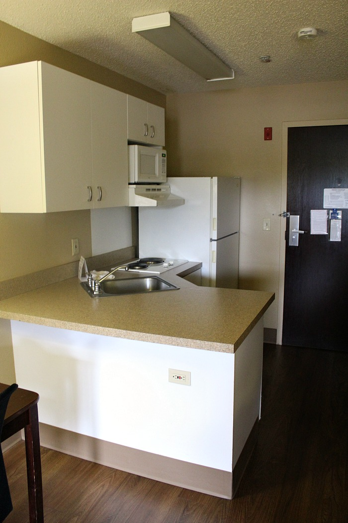 There are several reasons Why You Should Stay At Extended Stay America With Kids! Kids stay free, free breakfast, onsite laundry, and full kitchens in rooms