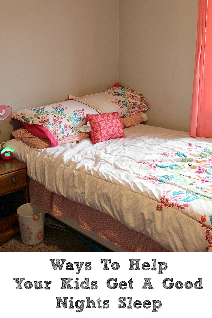 Ways To Help Your Kids Get A Good Nights Sleep! With school starting, this is such an important thing to start with your kids for good habits this year.