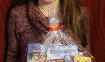 DIY Dinner And A Movie Gift Basket Idea