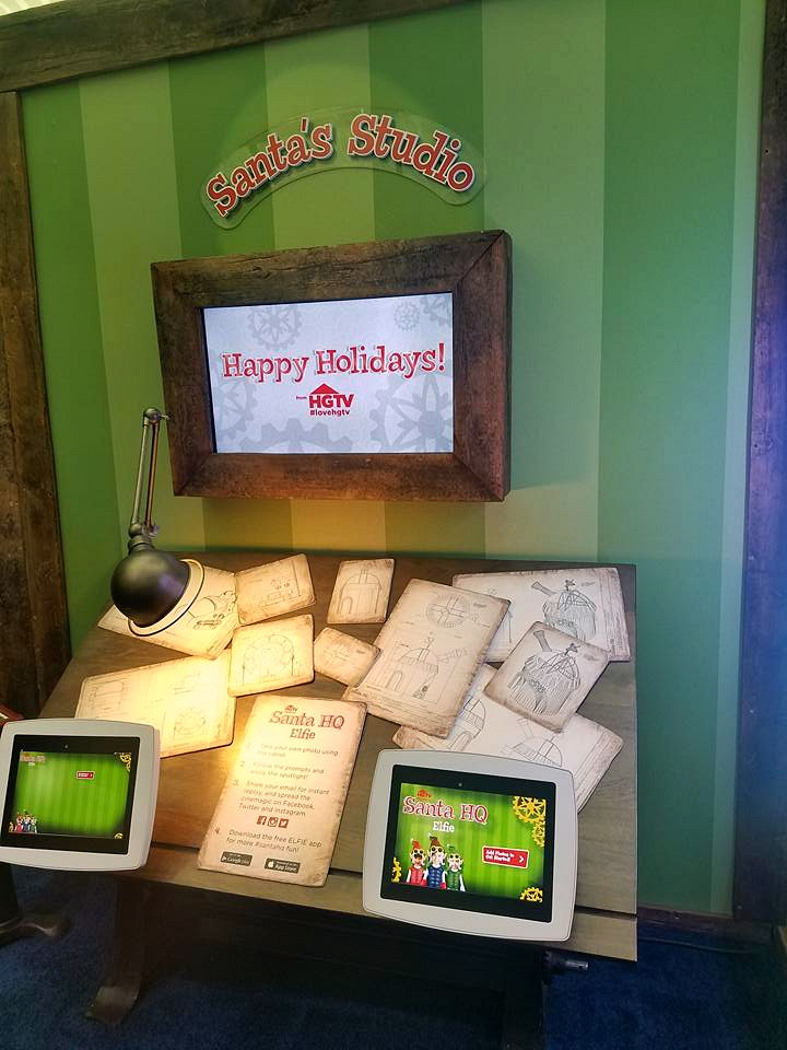 Why You Need To Visit HGTV Santa HQ!! Trust me this is the perfect place to take your kids to see Santa at with fun that goes home too!