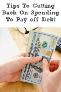 These Tips To Cutting Back On Spending To Pay off Debt are prefect for working on becoming debt free! Small simple changes in lifestyle goes a long way!