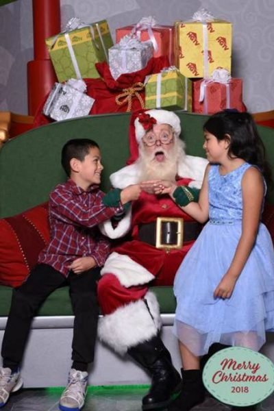 Santa HQ is the perfect to take your kids for a full Santa experience and get into the holiday experience! Put on by HGTV its the perfect Santa experience!