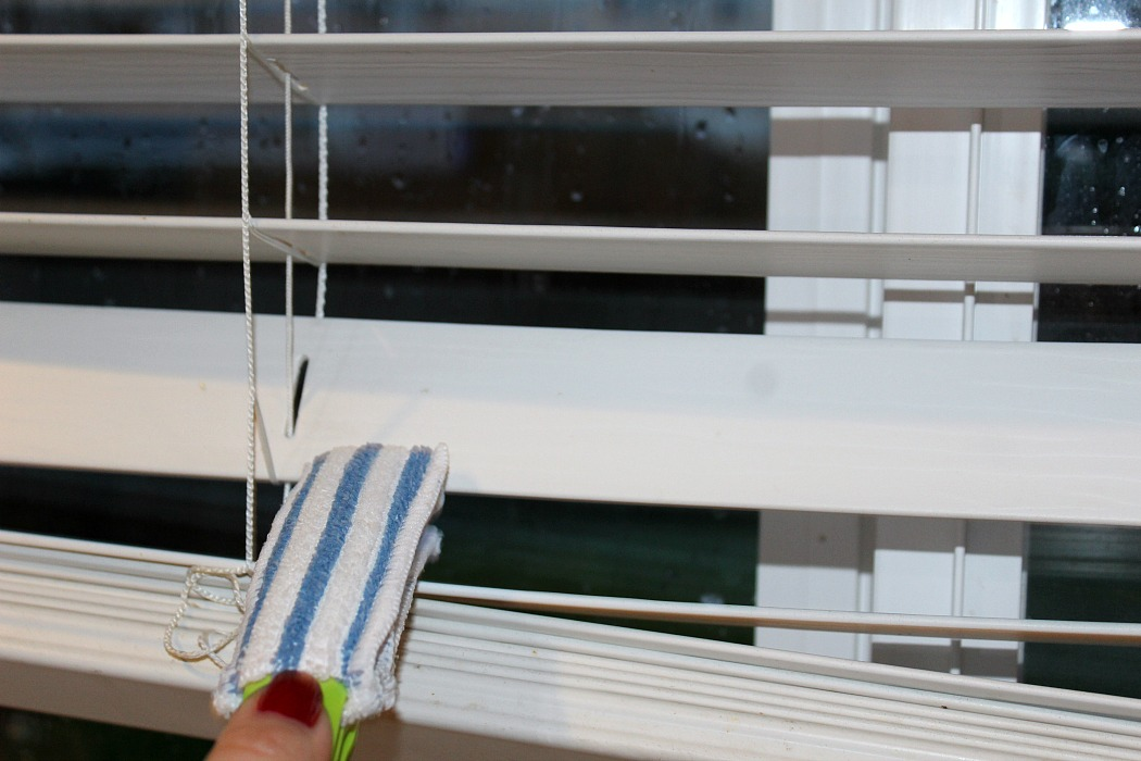 These Easy Ways To Deep Clean Your Windows the perfect steps! From tracks, to frame, to the window sill, to window treatments, and the window.