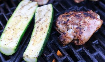This Easy Grilled Zucchini Recipe is perfect to make for any weeknight bbq! Plus it works out to low Weight Watchers Smartpoints as well.