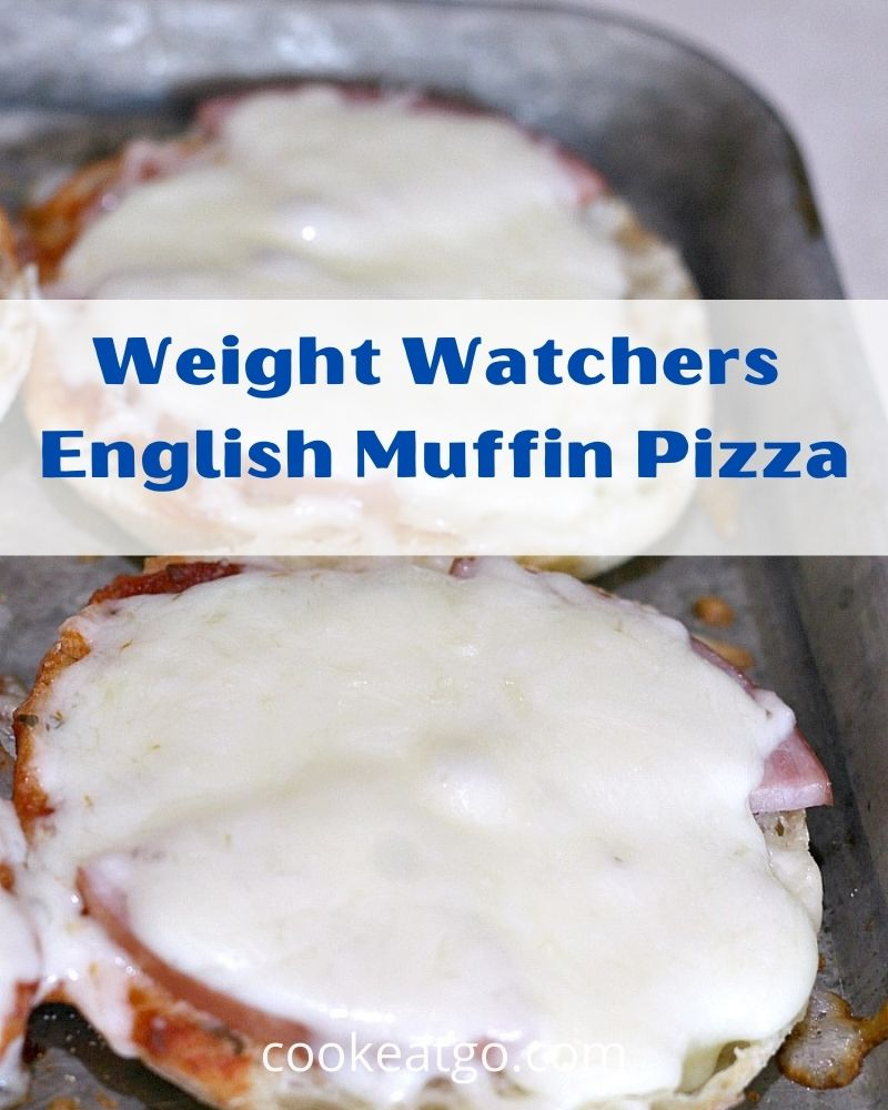 English Muffin Pizzas are fun and easy to make with kids! Perfect for tailgating or quick dinner! Plus they are low Weight Watchers Smart Points. These are low Smartpoint on all three My WW Plans.