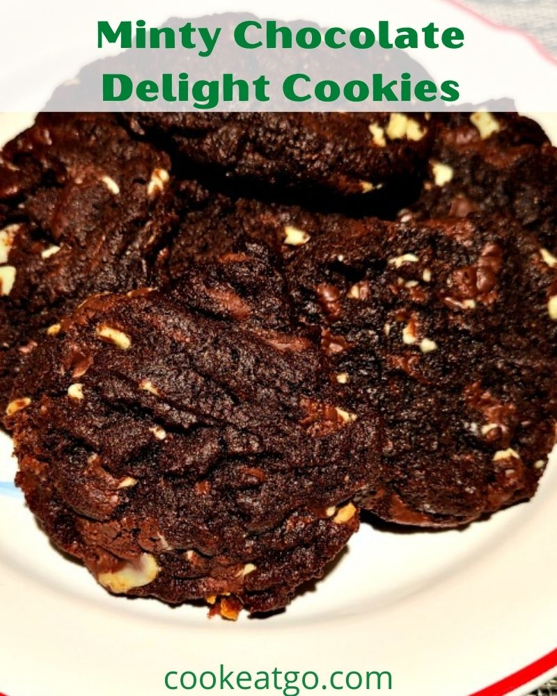 Minty Chocolate Delights are an amazing cookie! They are chocolatey and minty and the perfect holiday cookie to make as well!